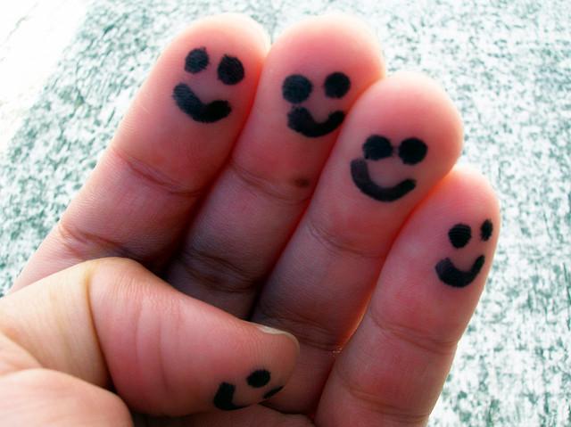 Cinco dedos sonrientes por Peyri en flickr